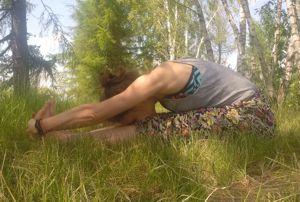 Paschimottanasana – intensywne rozciąganie tyłu ciała